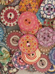 50Pcs Multi-Color Wooden Buttons