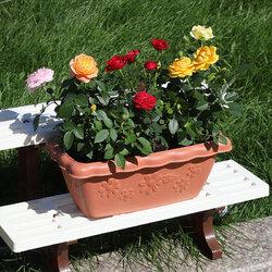 Embossed resin flower pot gardening decoration