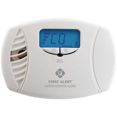 First Alert 1039746 Dual-Power Carbon Monoxide Plug-in Alarm with Digital Display