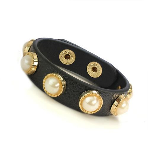 Soft Leather Pearl Bracelet