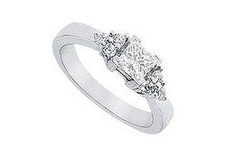 Diamond Engagement Ring : Platinum - 0.66 CT Diamonds